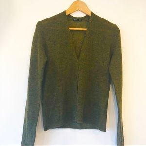 Sisely fine wool cardigan sweater. Made in Italy